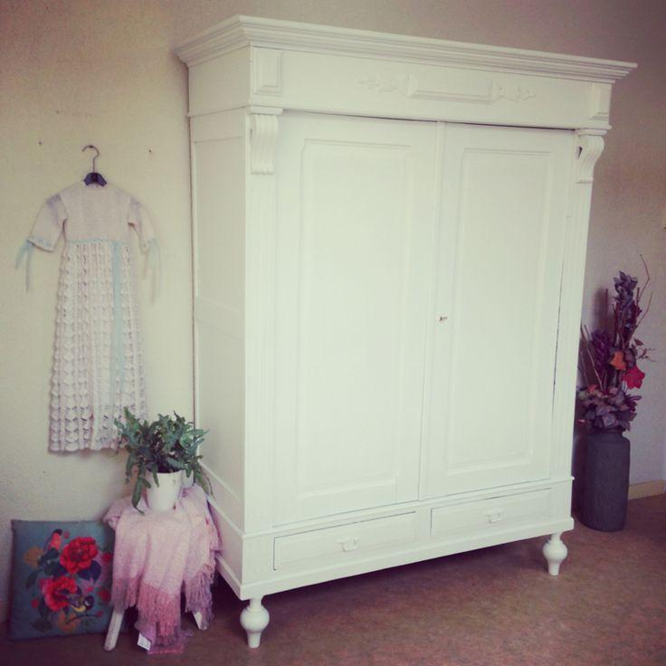 #cabinet #kast #landelijk #babypink #babyblue #babyroom #babykamer #wit #white #antiek #antique #Frans #France