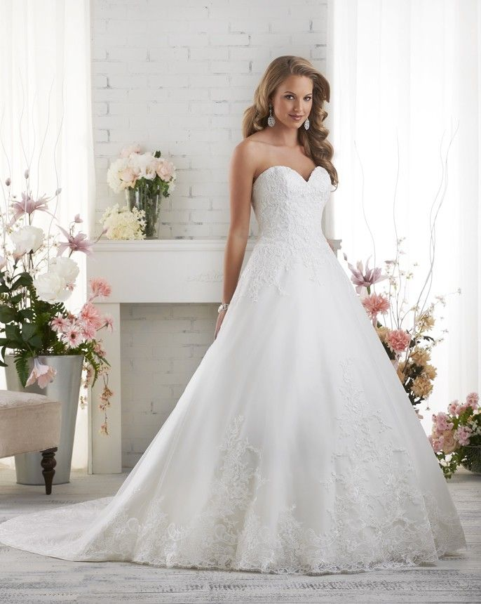 523 Strapless A Line Tulle Wedding Gown With Lace Detail