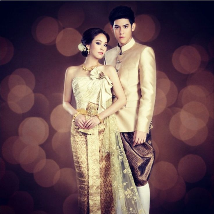 Thai Wedding Gowns: Traditional Thai Wedding Dress For Couple