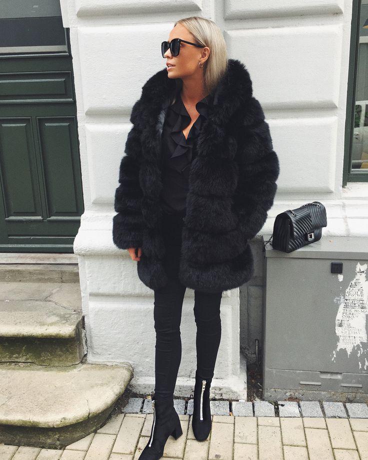 296 vind-ik-leuks, 6 reacties - JOSEFINE BAK (@josefinebak) op Instagram: 'Outfit på bloggen (link i bio) ✌ #ootd'