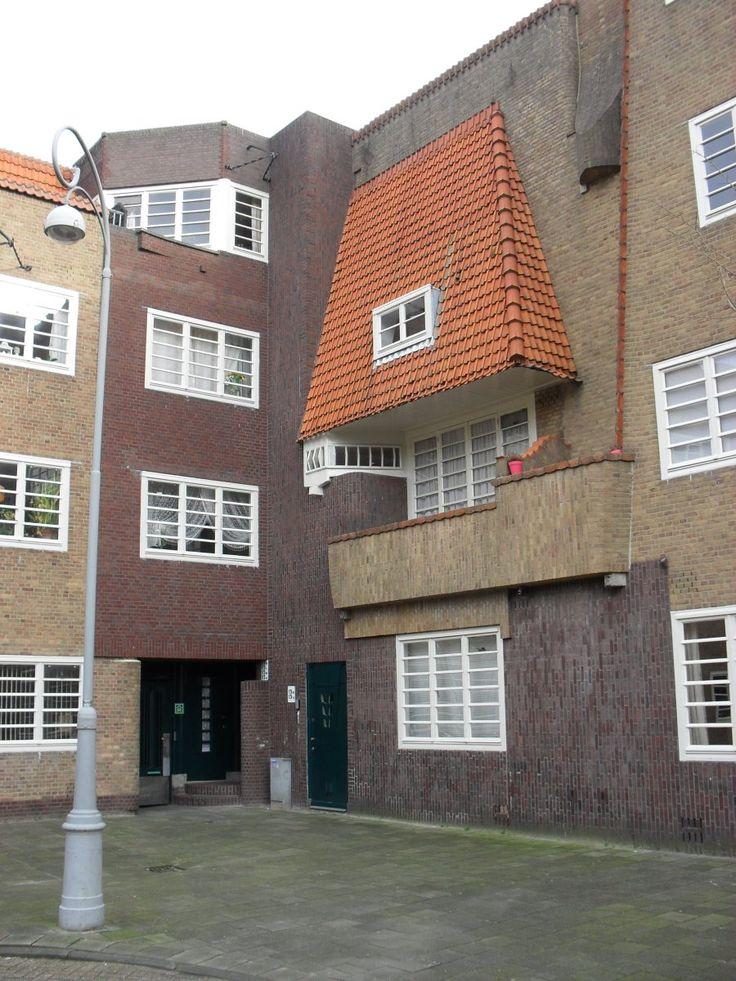 M. de Klerk, De Dageraad, Therese Schwartzeplein, Amsterdam