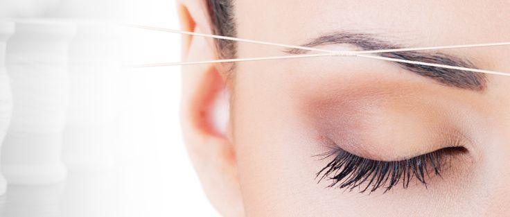 Threading: wenkbrauwen epileren met een touwtje - http://www.planetfem.com/threading-wenkbrauwen-epileren-met-een-touwtje/ Doe jij al aan threading? De eeuwenoude epileertechniek uit Oosterse culturen is tegenwoordig ook in Westerse beautysalons niet meer weg te denken. Het is zo simpel als maar zijn kan; door middel van een katoenen draadje worden haartjes razendsnel uit de huid getrokken. Zo snel, dat voor je er...