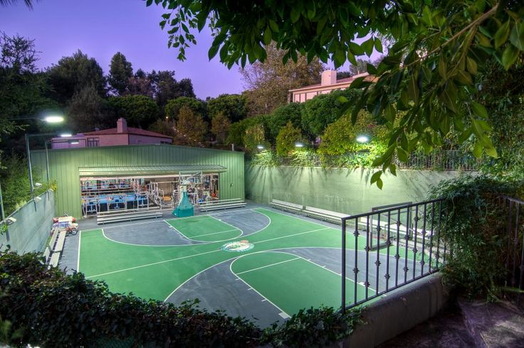 You can bet that Wahlberg will especially miss his giant sport court and 2,500-square-foot detached gym, complete with a full-size boxing ring. That's where he trained for the film, The Fighter, which earned him an Academy Award nomination for Best Actor.