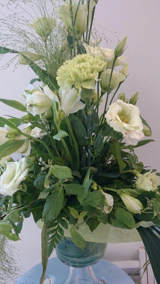 Green lisianthus and alstromeria