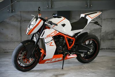 "Racing Cafè: KTM RC8 R ""Naked"" by Lazareth"