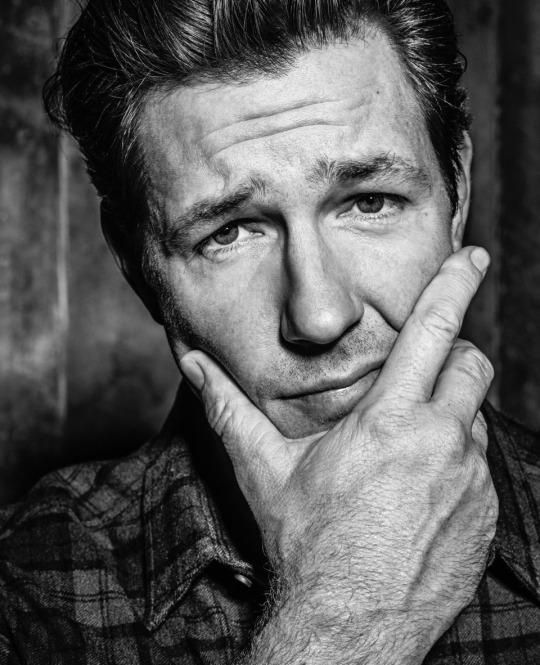 Ed Burns on Moonlighting as a Model and Recreating '60s Style
