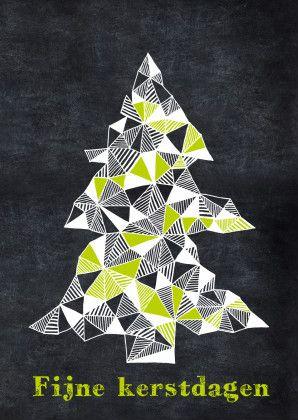 Hippe kerstkaart van een kerstboom van getekende driehoekjes, op een krijtbord achtergrond.  Design: Revista  Te vinden op: www.kaartje2go.nl  Maak jouw eerste kaart op onze website nu gratis!