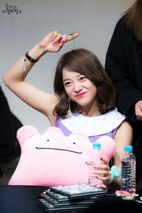 GUGUDAN - Kim SeJeong 김세정 @ Daehangno Fansign Event 170310 #세정 #갓세정 #Gu9udan