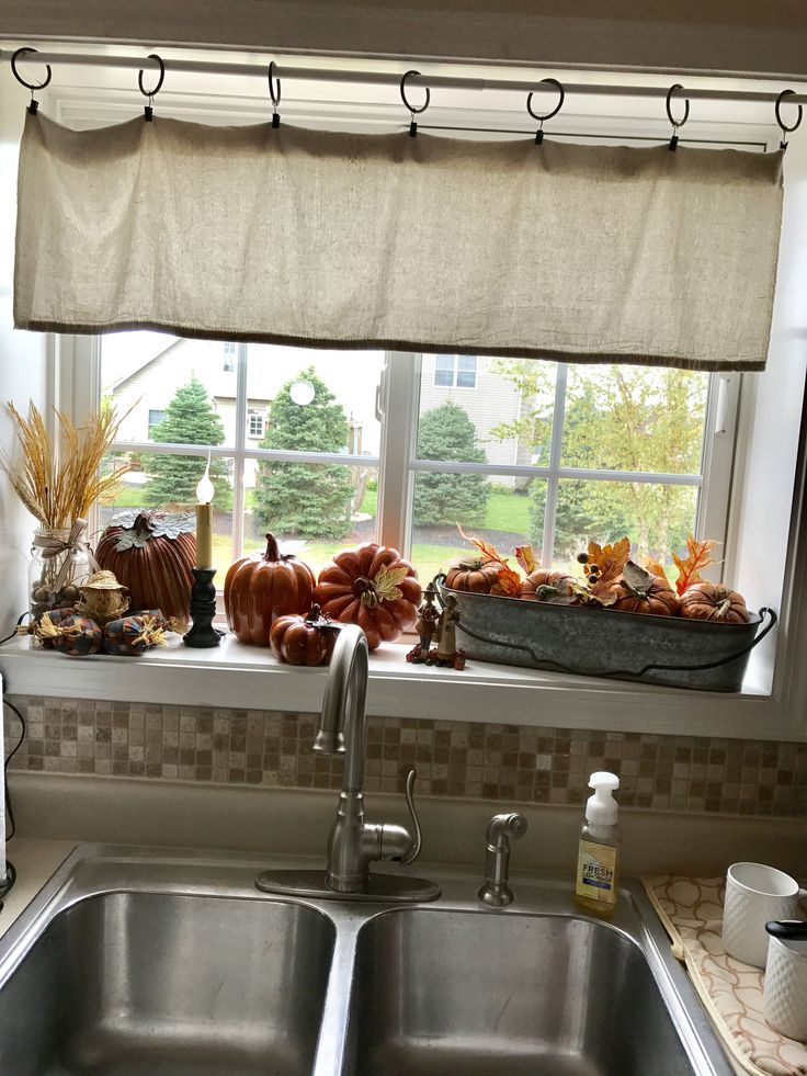 Best 25+ Kitchen window sill ideas on Pinterest
