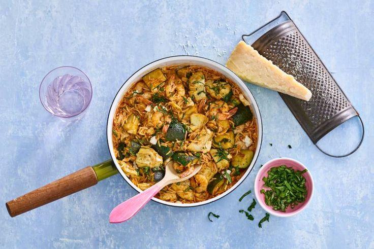 In slechts zestien minuten waan je je met dit eenpansgerecht in Italiaanse sferen - Recept - Allerhande