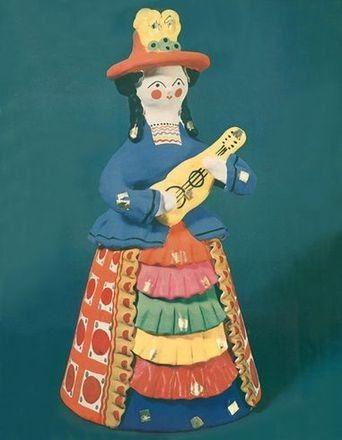 """Дымковская игрушка """"Цыганка с гитарой"""" - работа Племянниковой Валентины Петровны."""
