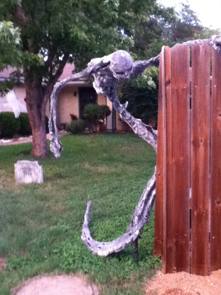 Best 20 Yard Haunt Ideas On Pinterest Halloween Graveyard Decorations Diy Halloween Props