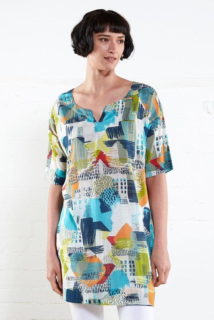 Pohodlná volnější tunika St. Ives s krásným barevným vzorem.