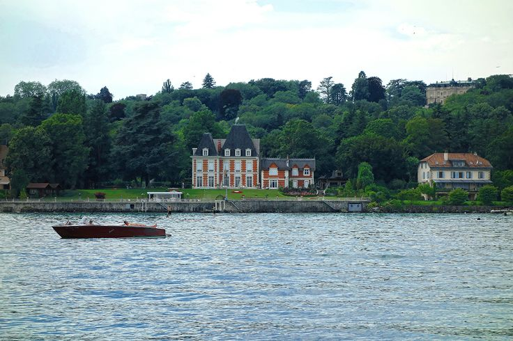 Geneve-the lake and the Riva Boat