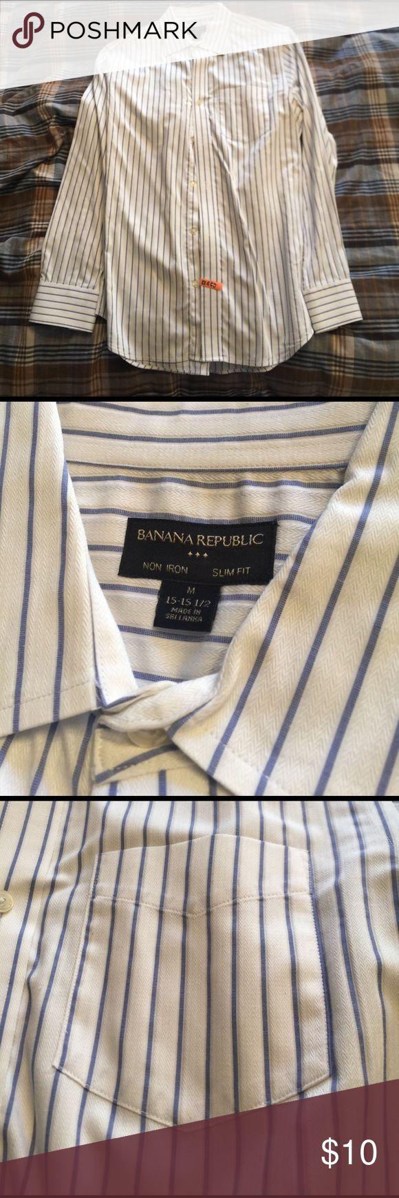 Banana Republic Slim Fit Non Iron Dress Shirt Excellent condition, medium - 15 to 15.5 Banana Republic Shirts Dress Shirts