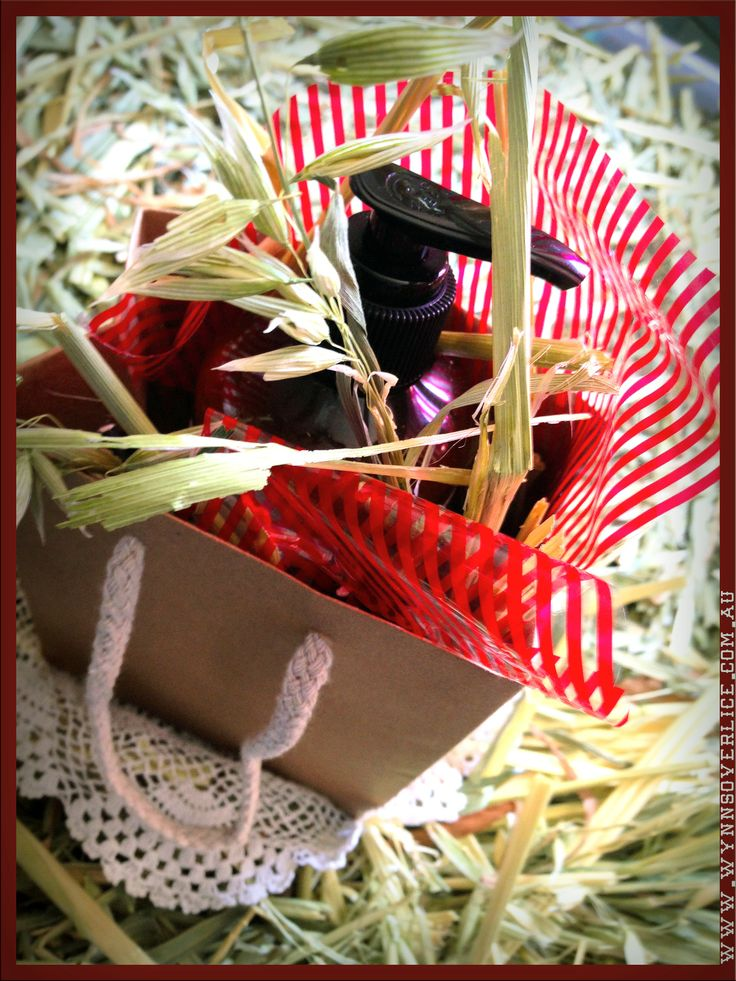 We've been making hay while the sun shines.  We're happily and creatively packing Wynn's for shipping. Good fun!  www.wynnsoverlice.com.au