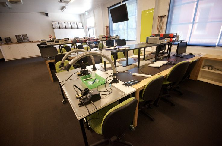 https://flic.kr/p/aKrWqc | Active learning electronics lab