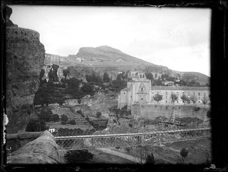 Fotografías Arte: Vista del Convento de San Pablo y el río. Cuenca. Negativo de gelatino-bromuro sobre placa de vidrio, 9x12 cm. http://aleph.csic.es/F?func=find-c&ccl_term=SYS%3D000081587&local_base=ARCHIVOS