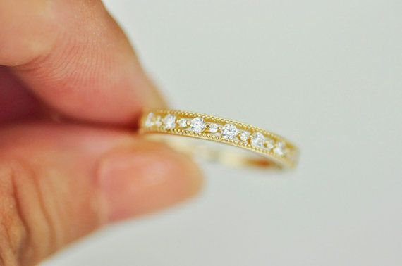 Very beautiful and tiny ring, simple, shinning, also can match other rings to wear.Whether as a gift to others, or buy for yourself, it is very nice choice:)   【 material 】 : 14 k gold inlaid Czech zircon (inner ring ring 14 k words marking) 【size】 : At its widest point 2.76 mm, the finest point 1.22 mm   _____________________________________________________  ❈ All metal material is 14k gold. Is not gold plated, but the real 14k gold.  ❈ The price of the jewelry will minor adjustments…