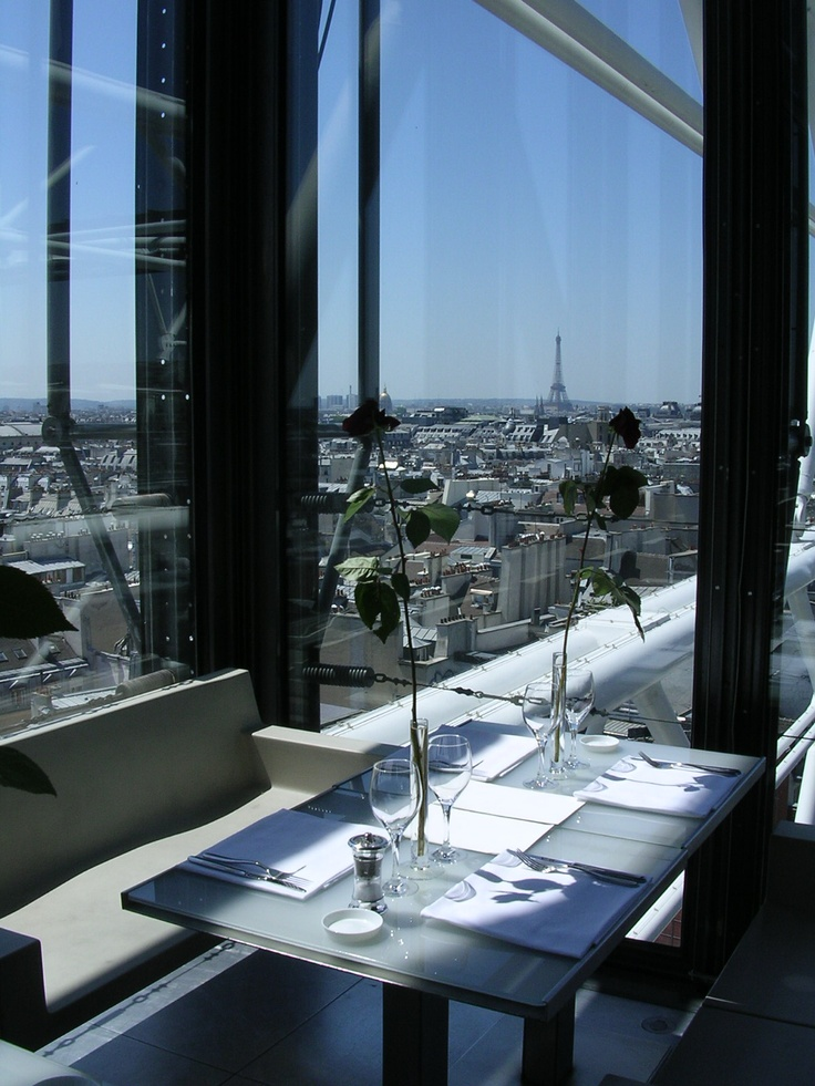 Enjoy a scenic diner or drink at Georges restaurant in Beaubourg Museum