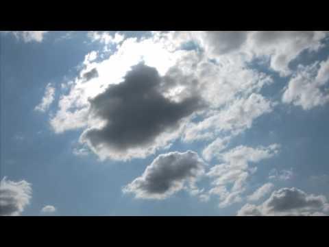 Tante immagini e moltissime nuvole ci hanno fatto compagnia in questi giorni. Oggi siamo felici di presentarvi il risultato dei vostri contributi, con l'augurio che le nuvole nei vostri cieli siano sempre bianche! La Vostra Nuvola da record è arrivata.