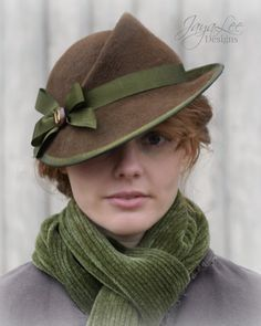 1930's Style Felt Tilt Hat in Rustic Brown & Green by Jaya Lee .... with Matching Green Scarf ....