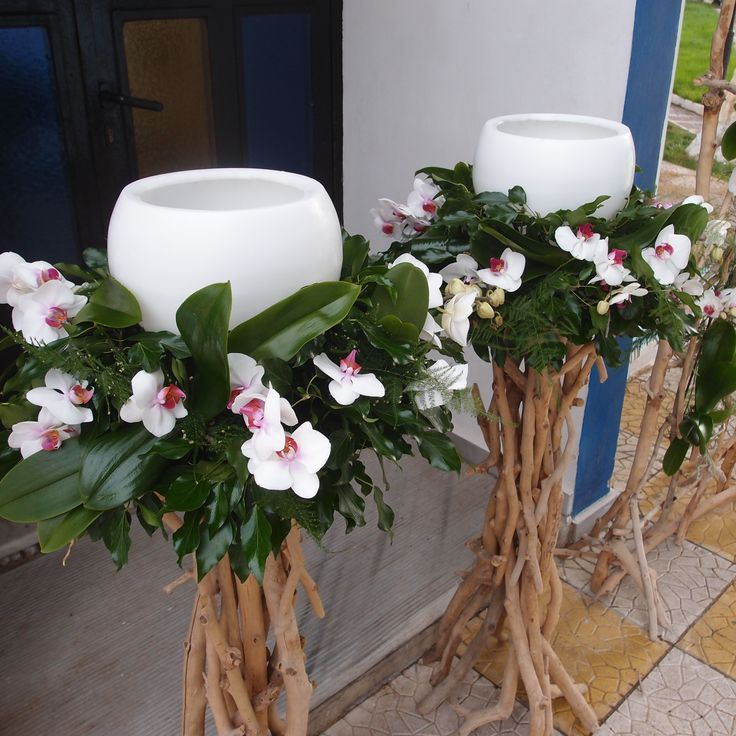 λαμπάδες γάμου με φρέσκα άνθη σε βάσεις από θαλασσόξυλα..Δεξίωση   Στολισμός Γάμου   Στολισμός Εκκλησίας   Διακόσμηση Βάπτισης   Στολισμός Βάπτισης   Γάμος σε Νησί - στην Παραλία.