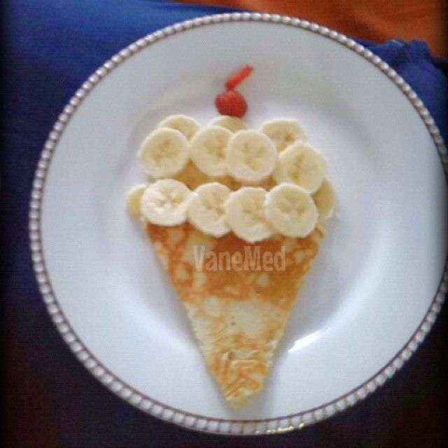 Quien quiere helado?? jejeje con pancake, banano y fresa.