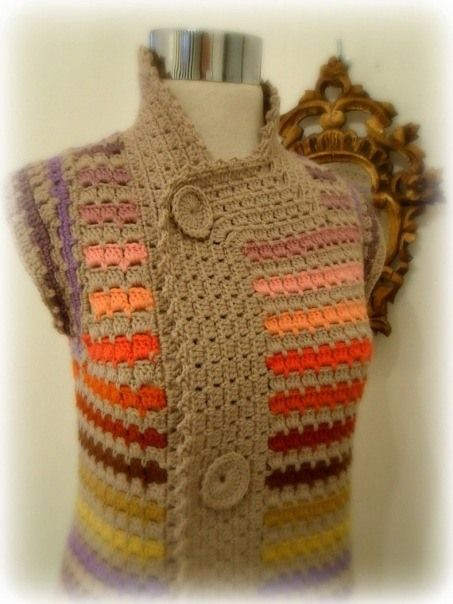 Croche Tutorail.Like the collar effect and button detailing.