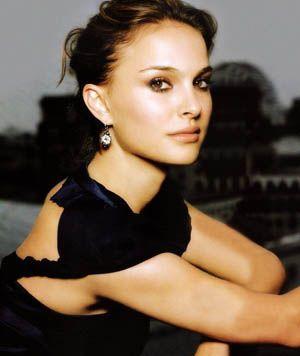 our beauty bag ::: Inspiración para viernes: Natalie Portman - http://ourbeautybag.blogspot.com.ar/2012/08/inspiracion-para-viernes-natalie-portman.html