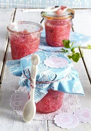 Das Rezept für Rhabarber-Kokos-Konfitüre mit Zitronenmelisse und weitere kostenlose Rezepte auf LECKER.de