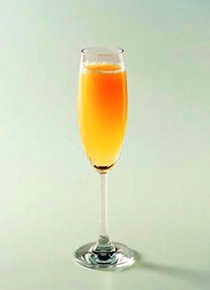 Receita do famoso drink Bellini