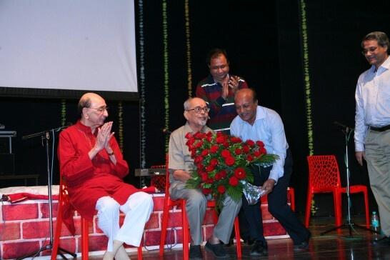 Padmabhushan Mangesh Padgaonkar felicitated on 85th birthday