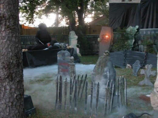 spooky fog ideas for halloween decorating and cemetery scenes - Best Scary Halloween Decorations