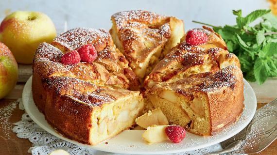 Шарлотка с яблоками и ванилью. Пошаговый рецепт с фото на Gastronom.ru