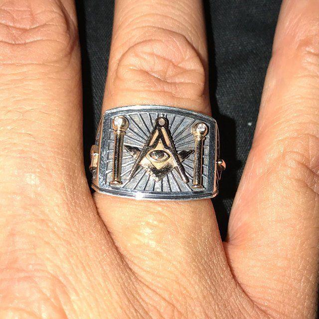 воспользоваться компасом масонские перстни фото просвещению населения состоянии
