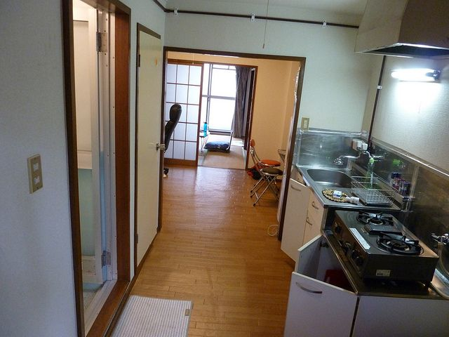 Typical kitchen in a smaller Japanese apartment. Photo credit: Karl Baron on Flickr.