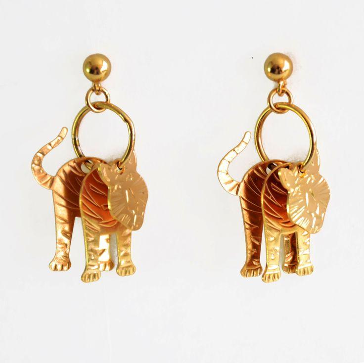 Perfectos para regalar en esta navidad están estos aretes de tigre, consíguelos ya en http://www.martinpescador.com.co/