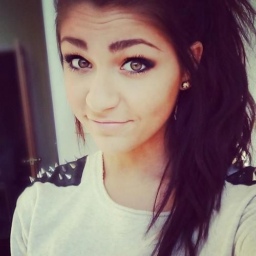 Andrea Russett s makeup is always so pretty. 195 best Pretty Tumblr Girls images on Pinterest   Pretty girls
