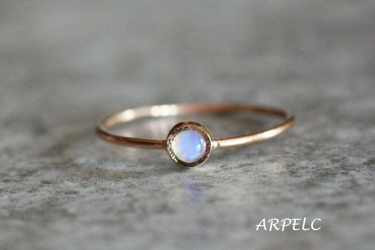 Goldringe - Feuer-Opal-Ring, Goldring, Geburtsstein Oktober - ein Designerstück von arpelc bei DaWanda