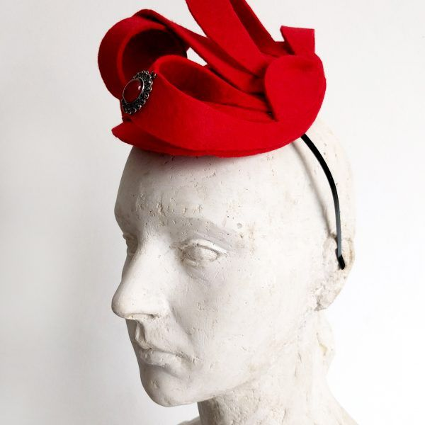 GLORIA Fascinator hat made by Eventivity Accessorize