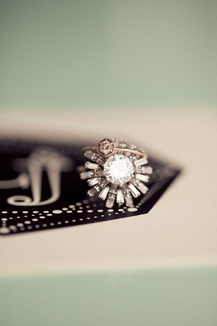 amazing vintage engagement #ring | Photography: Isabelle Selby Photography - isabelleselbyphotography.com