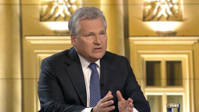 """FOCH: Kwaśniewski chce referendum ws. euro. """"Uwierzmy na..."""