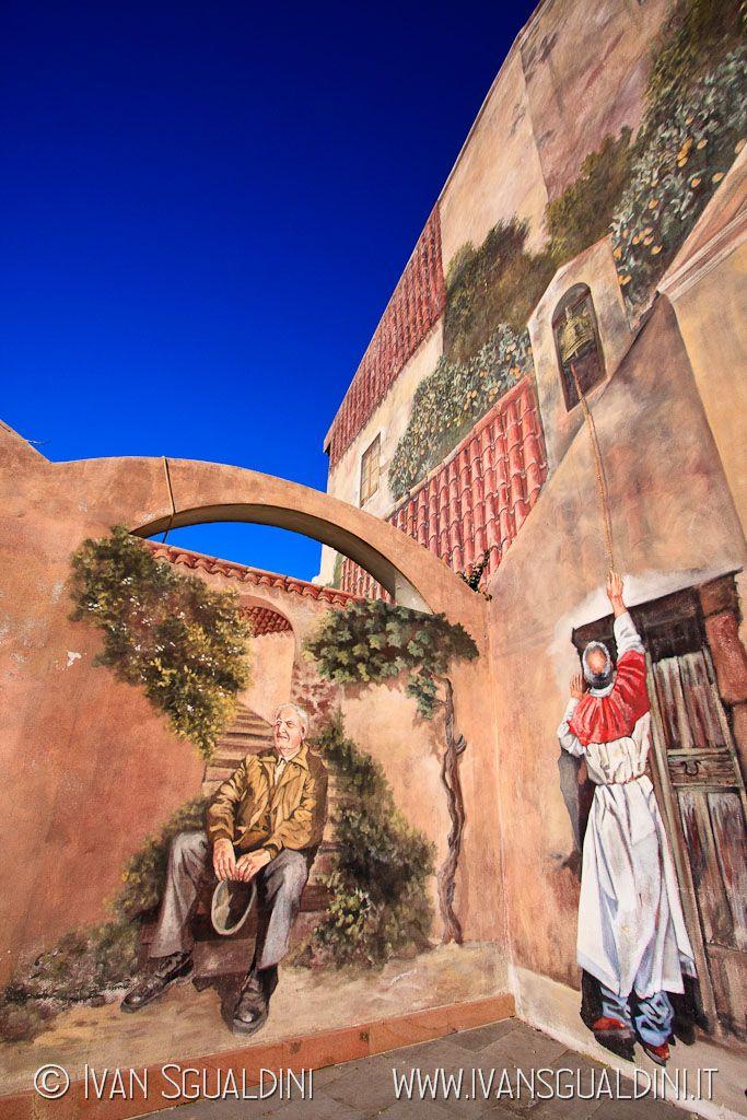 Murales a Tinnura. Sardegna, Italia.