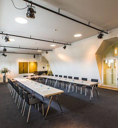 25 beste idee n over theaterzalen op pinterest filmkamers bioscoop kamers en thuisbioscoop - Ontwerp huis kantoor ...