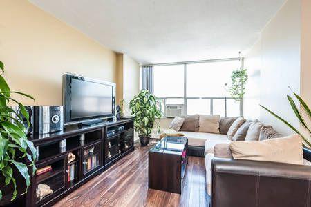 Toronto Condos & Short Term Rentals - Airbnb