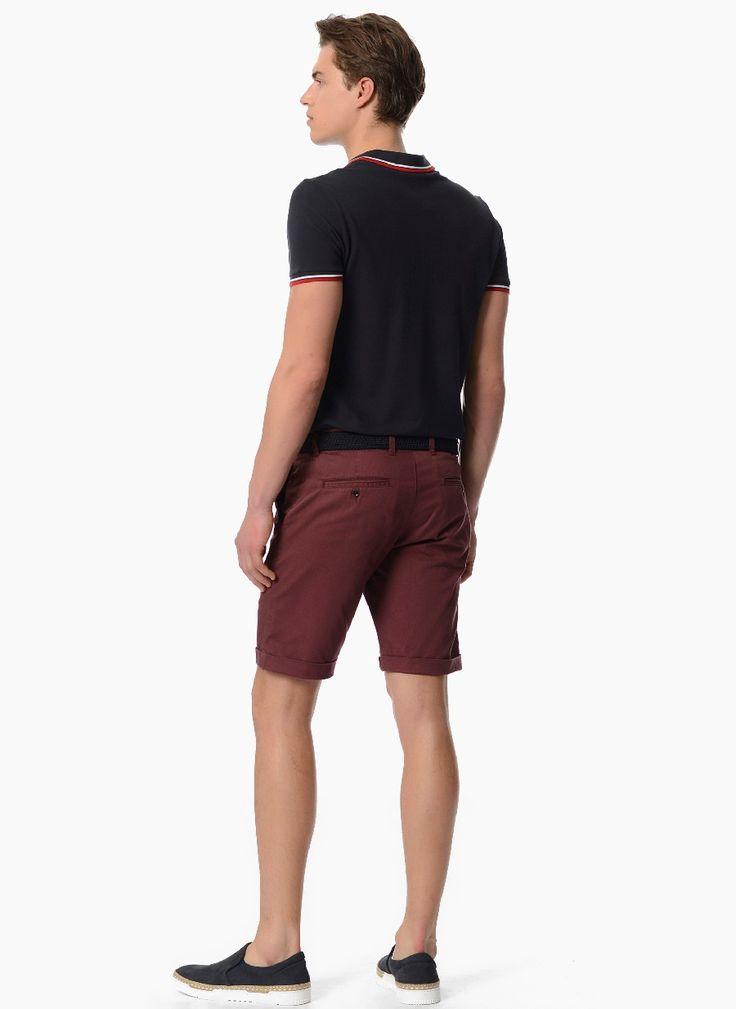 Стильные мужские шорты бордового цвета