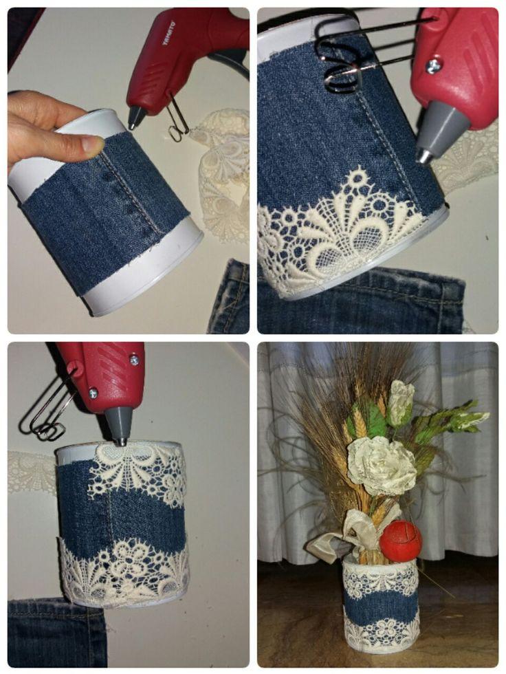 Da barattolo di latta a porta fiori realizzato con stoffa di jeans e pizzo bianco. #recycle #recycling #recycleidea #riciclo #riciclocreativo #arte #moda #style #glamour #cute #love #beautiful #handmade #barattolo #ecogreen #flowers #flower