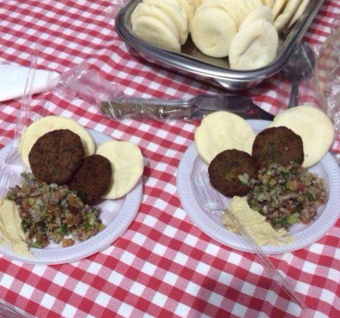 Falafel: bolinho de grão de bico.