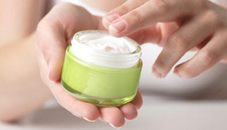 Het gebruik van een shampoo is bedoeld voor het verwijderen van talg, zweet, dode huidcellen, styling-producten en vuil van de hoofdhuid. Een shampoo ontwikkelen die alleen reinigt is zo gemaakt, maar geeft je de haardos van een vogelverschrikker. http://moroccangarden.nl/arganolie-shampoo/